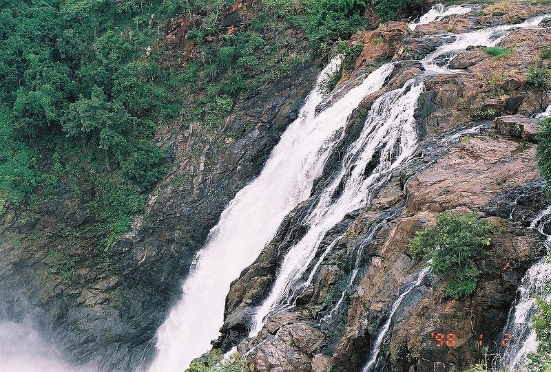 Shivanasamudra falls (Photo of neonlights78)